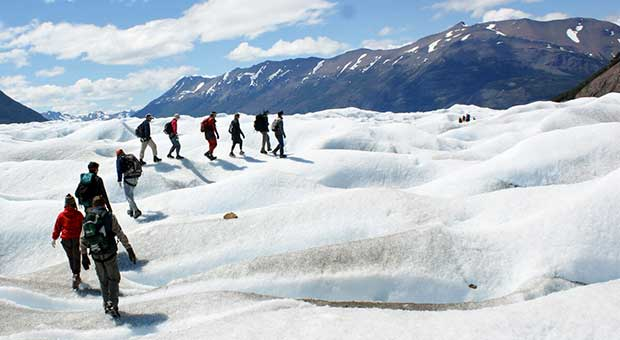 glacier trekking perito moreno calafate patagonia argentina