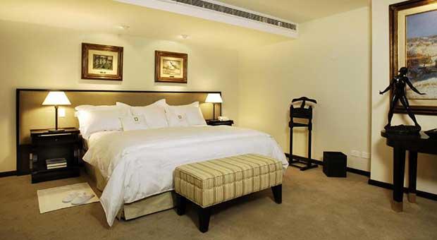 luxury-hotel-patagonia-bariloche-argentina-travel-master suite
