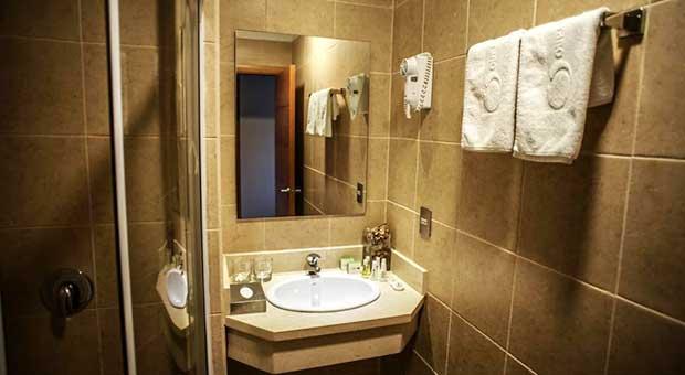 hotel-torres-del-paine-patagonia-travel-agent