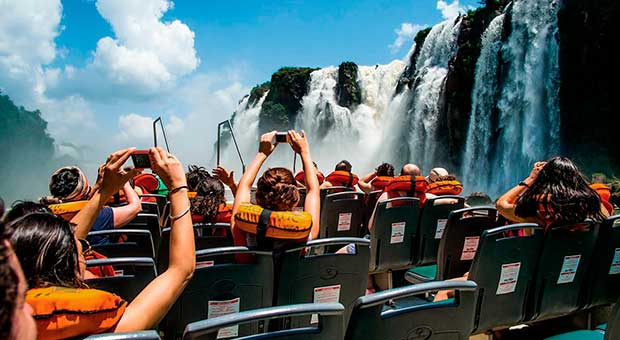 great adventure boat ride iguazu